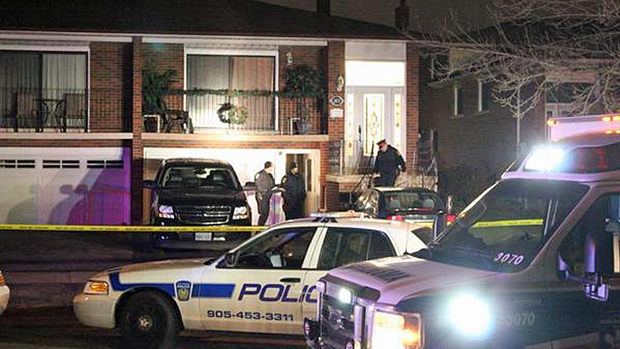 Mississauga home invasion shooting leaves 1 dead