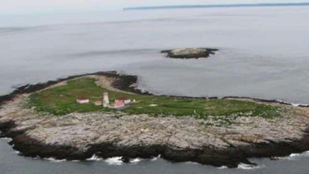 Canada, U.S. urged to resolve dispute over island